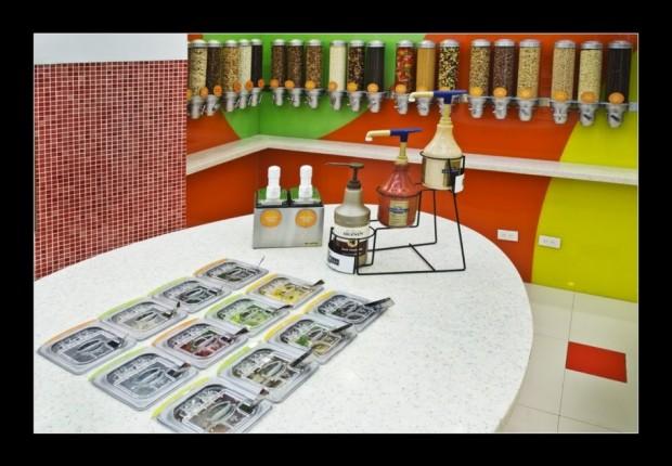 teknikulay-frutti-froyo-trinoma-store-graphics-ECL9268
